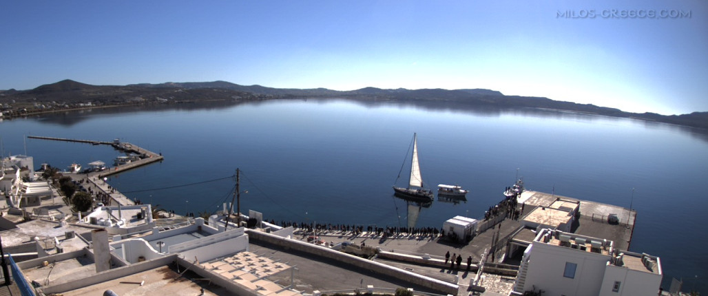 Milos Live view of the harbour of Adamas. With archive of the last 24 hours.   webcam.milos-greece.com